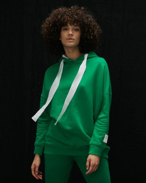 Hoodie mit weißen Bändern in Grasgrün