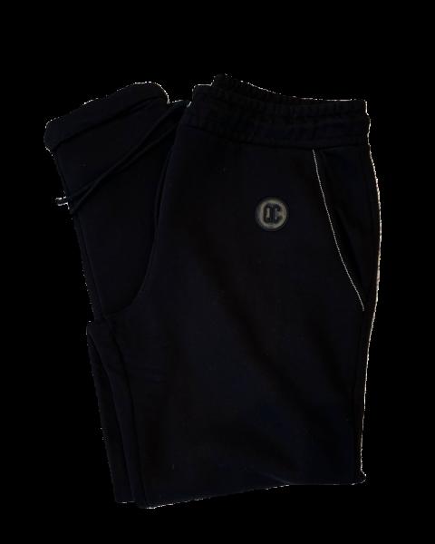 Sweat-Pants mit Aufschlag in Schwarz