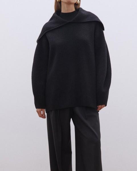 Rippenpullover mit großem Kragen Schwarz