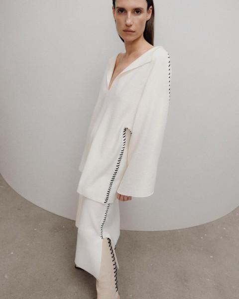 Pullover mit Kontrast-Stich in gewalkter Wolle Wollweiß