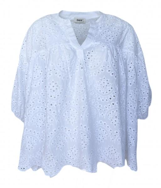 Weite Bluse mit Lochstrickerei in Weiß