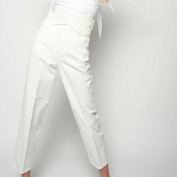 Cropped Jeans mit hohem Bund Weiß