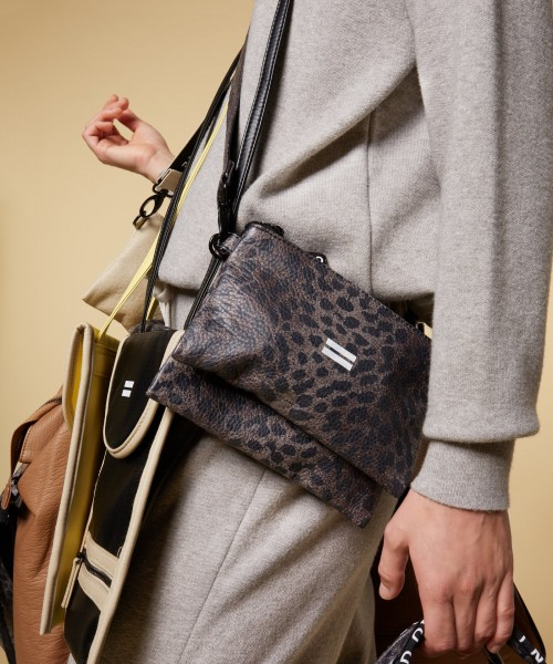 Cross Body Bag veganes Leder in Leopard Print Braun-Schwarz