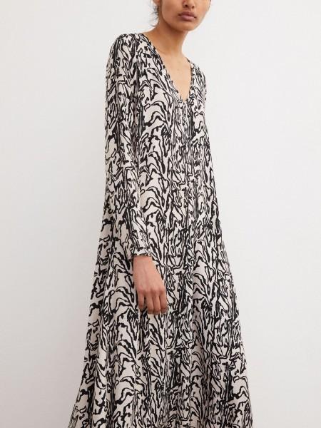 Maxi Kleid Embelia Greige mit schwarzen Print