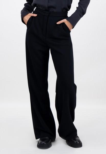 Weite Hose aus Viskose Jersey in Schwarz