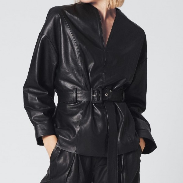 Lederhemd mit Gürtel in Schwarz